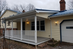 chardon-siding-front-porch